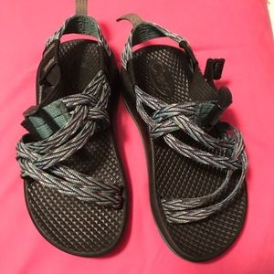Girls chacos- Black with pretty green
